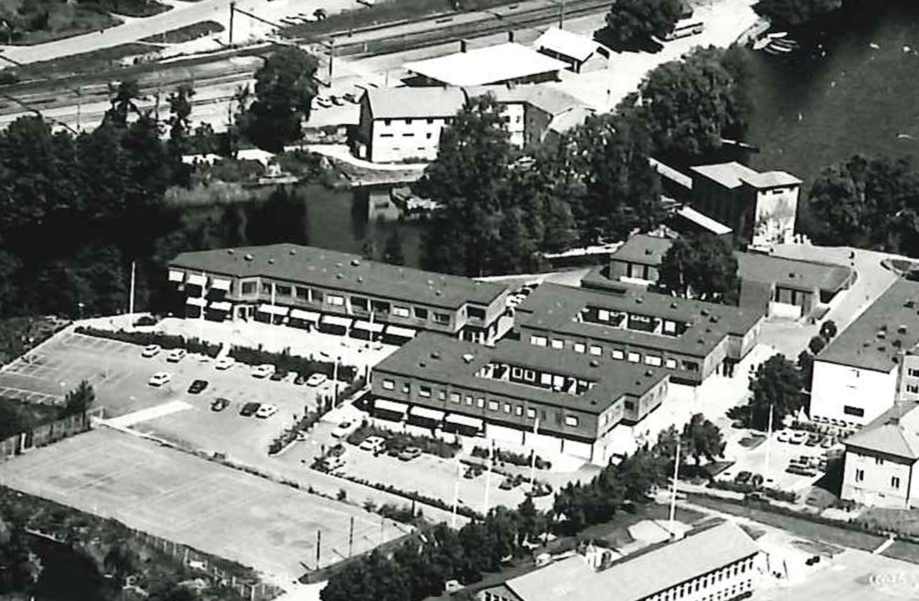 Flygfotot är oklart när det togs. År 1993 registrerades det i Lerums Kommuns arkiv.